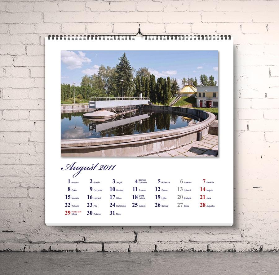 kalendar na stenu
